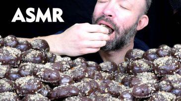 ASMR GREEK CHRISTMAS HONEY COOKIES CHOCOLATE COVERED MELOMAKARONA TURTLENECKS NO TALKING